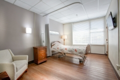 5_Spacious-Resident-Room